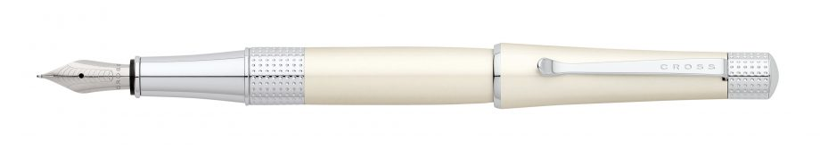 Beverly Pearlescent White Lacquer Fountain Pen